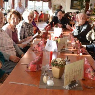 Von Stolle bis Stolberg: Besinnlicher Adventsausflug der Landsenioren